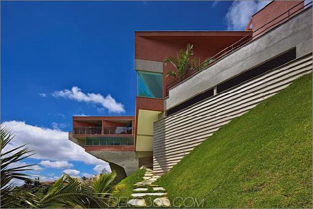 skulpturales Beton-Haus-gebaut auf einem steilen Hang-8.jpg