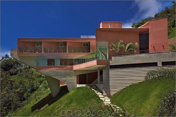 skulpturales Beton-Haus-gebaut auf einem steilen Hang-14.jpg