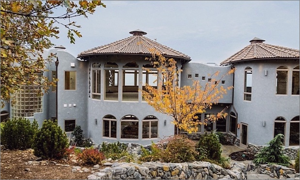 house-in-ashland-is-made-from-trees-4d.jpg