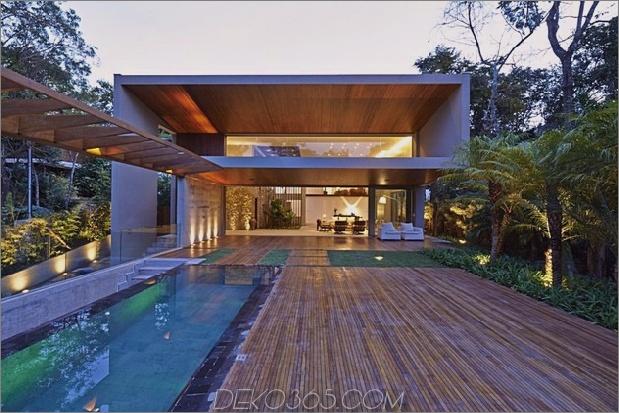 Brasilien Haus mit luxuriösem Garten und Wohnbereich im Freien 1 thumb 630x420 27915 Brasilien Haus mit Luxe Garten und Wohnraum im Freien