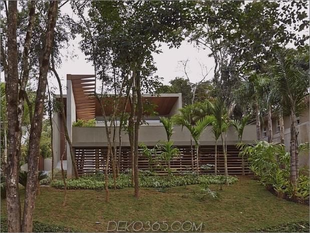 Brasilien Haus mit luxuriösem Garten und Wohnbereich im Freien 2 thumb 630x474 27917 Brasilien Haus mit luxe Garten und Wohnraum im Freien