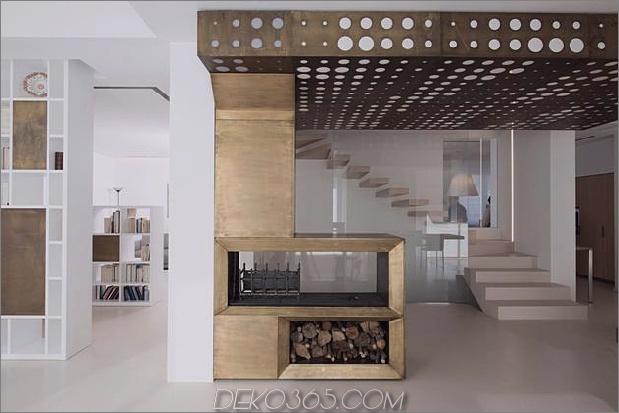 Brünierter Messingkaminfokus des minimalistischen Hauses_5c58f8fc7c569.jpg