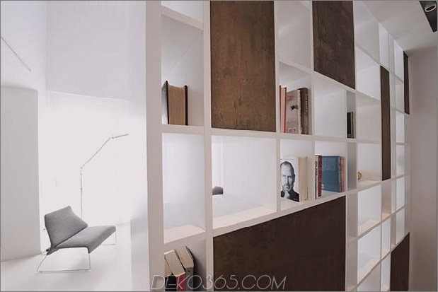 Brünierter Messingkaminfokus des minimalistischen Hauses_5c58f8fd0968b.jpg