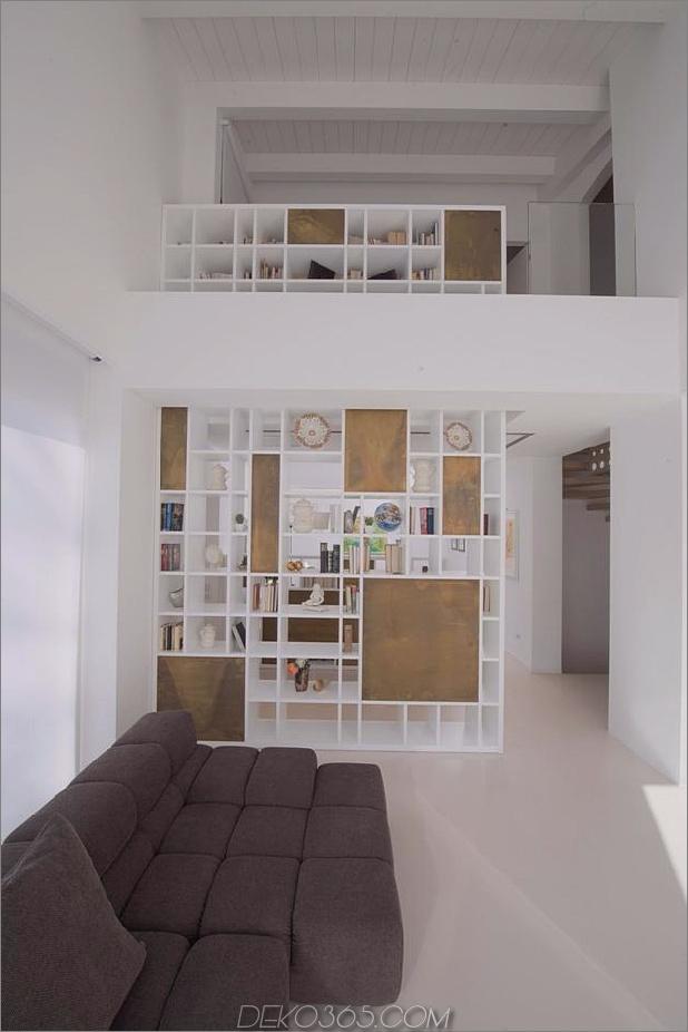 Brünierter Messingkaminfokus des minimalistischen Hauses_5c58f8fe5caec.jpg