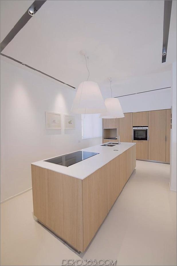 Brünierter Messingkaminfokus des minimalistischen Hauses_5c58f9006df59.jpg