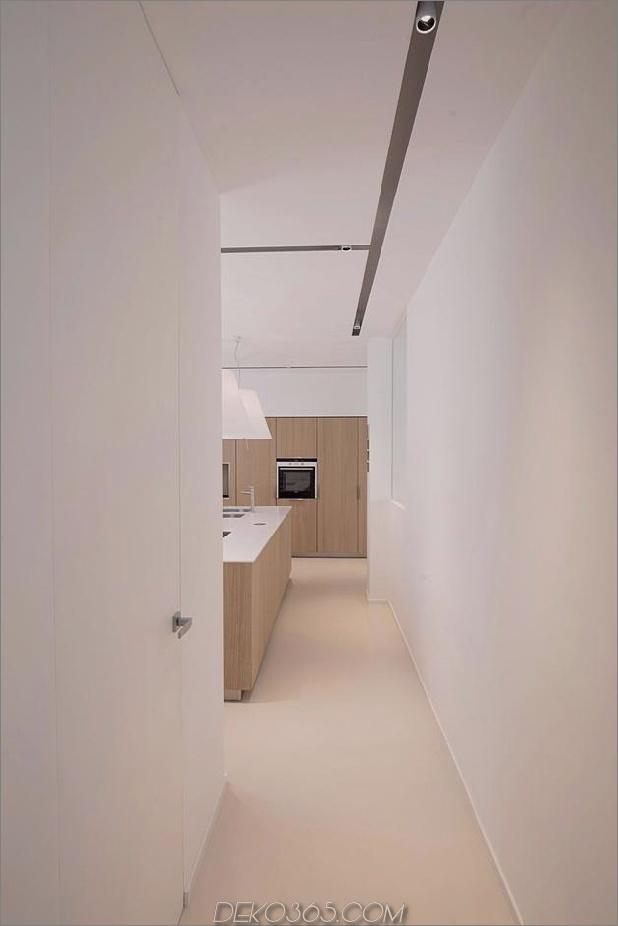 Brünierter Messingkaminfokus des minimalistischen Hauses_5c58f900c347f.jpg