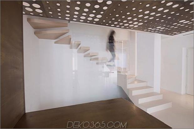 Brünierter Messingkaminfokus des minimalistischen Hauses_5c58f9011f513.jpg