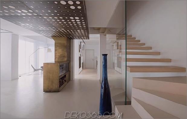 Brünierter Messingkaminfokus des minimalistischen Hauses_5c58f9016bd56.jpg