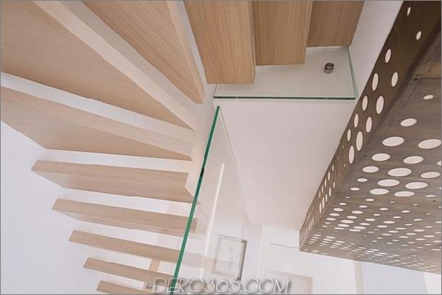 Brünierter Messingkaminfokus des minimalistischen Hauses_5c58f902e431c.jpg