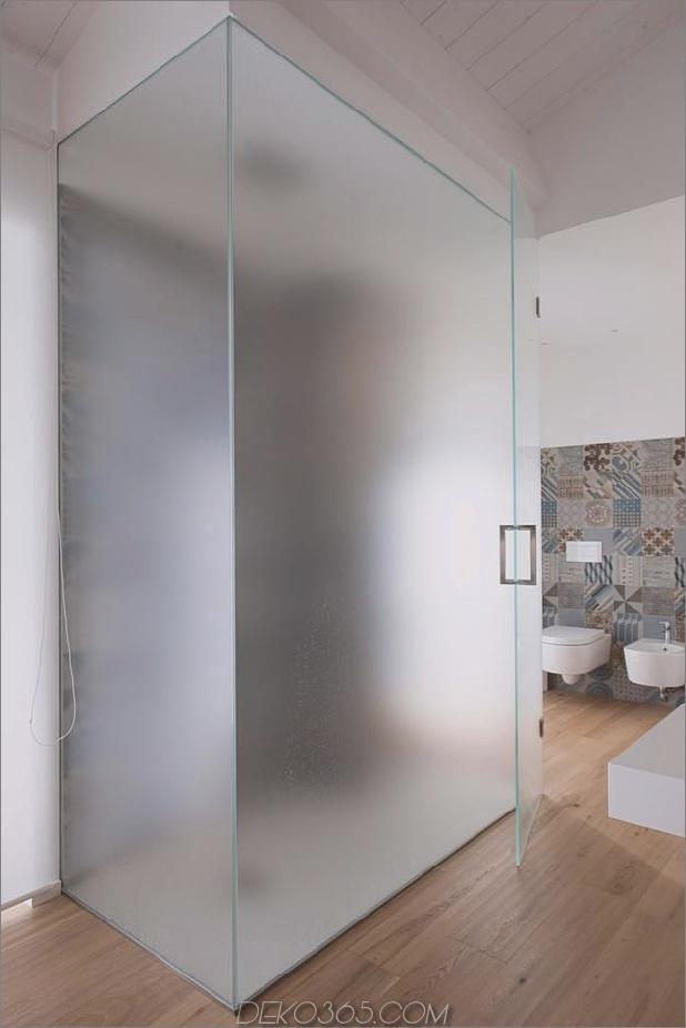 Brünierter Messingkaminfokus des minimalistischen Hauses_5c58f9050cd72.jpg