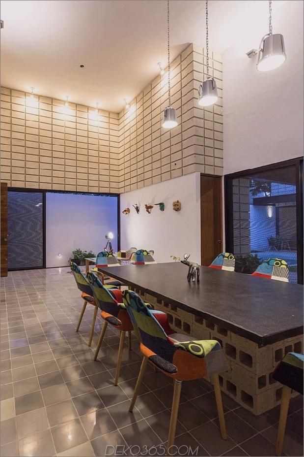 8-c-förmiger Beton-Block-Haus-Schwimmbad-Hof.jpg