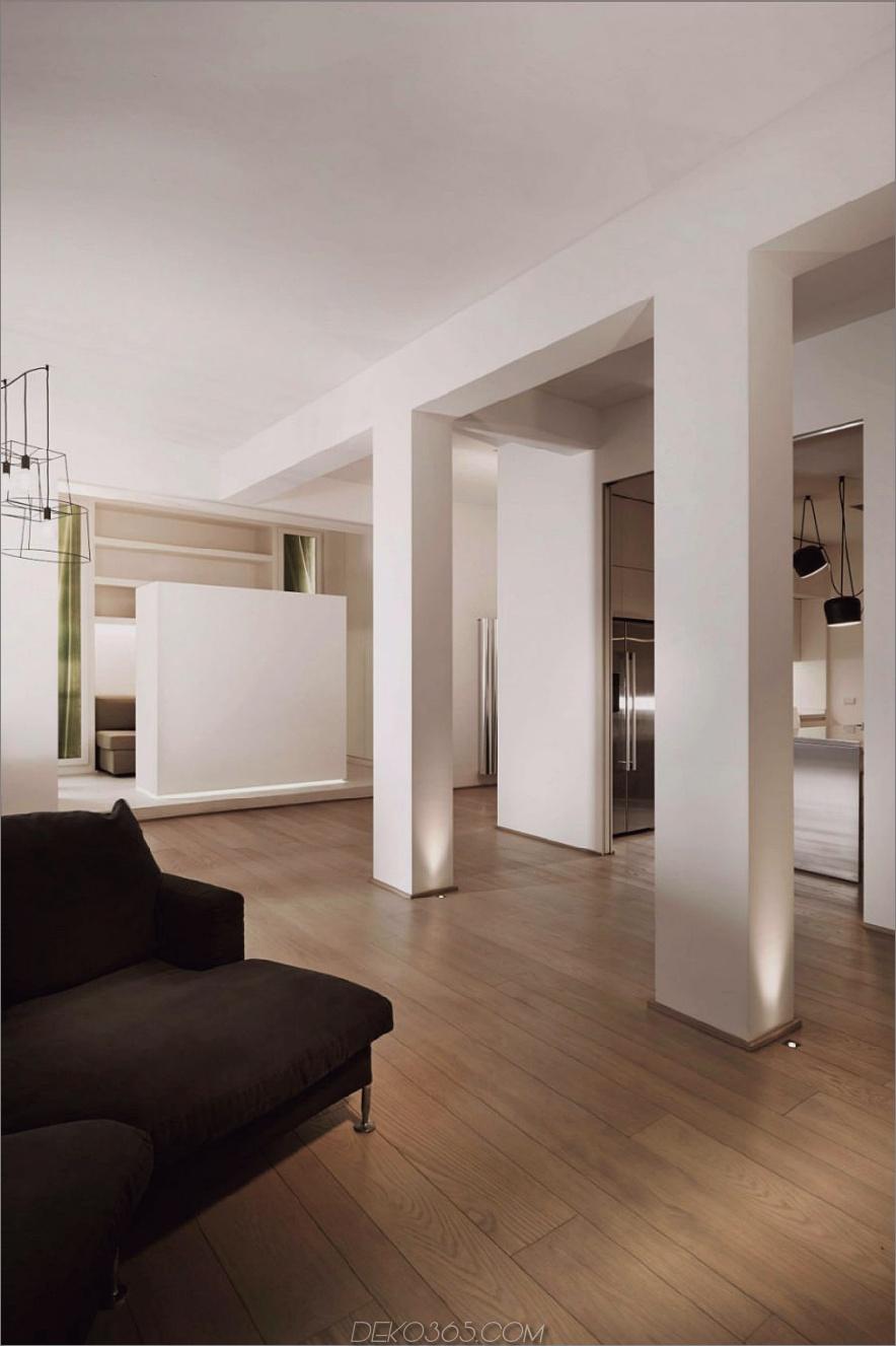 Quadratische Säulen verleihen dem eleganten Interieur eine Pracht. 900 x 1352 Carola Vannini entwirft eine zeitgenössische Palatial-Wohnung in Italien