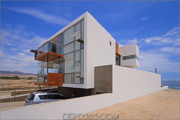 casa-cc-playa-misterio-peru-double-up-design-elements-17-facade.jpg