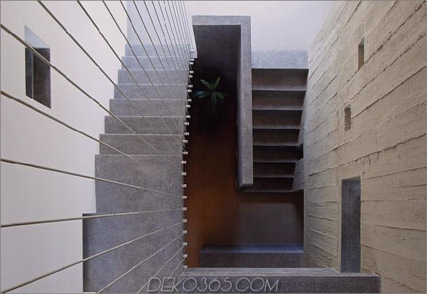 casa-cc-playa-misterio-peru-double-up-design-elements-18-treppenhaus.jpg