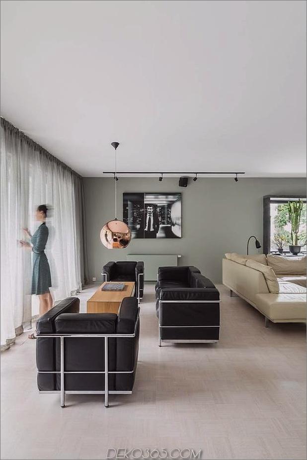 schick-strukturierte-interieurs-mit-einzigartigen-materialien-von-karhard-architektur-4-platz-stühle-sitzbereich.jpg