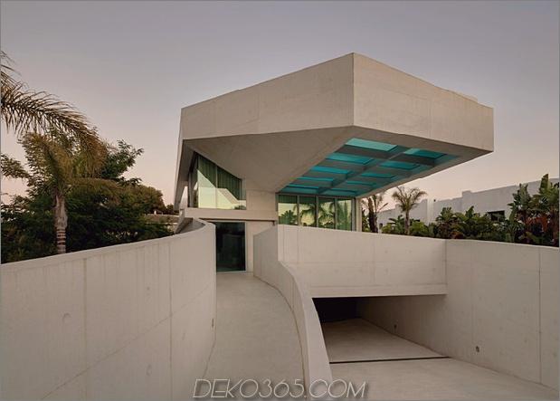 Betonhaus-Pool-Glas-Boden-11-entry.jpg
