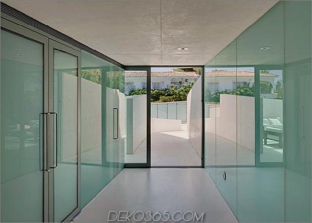 Betonhaus-Pool-Glas-Boden-12-entry.jpg