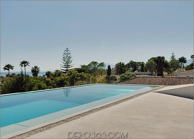 Betonhaus-Pool-Glas-Boden-14-Pool.jpg