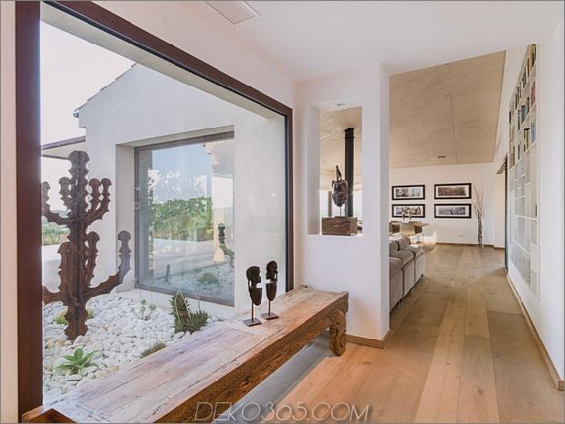 Einfamilienhaus kombiniert Erdtöne mit minimalistischer Ästhetik 2 entryhall thumb 630x472 31281 Concrete Home Kombiniert Erdtöne mit minimalistischer Ästhetik
