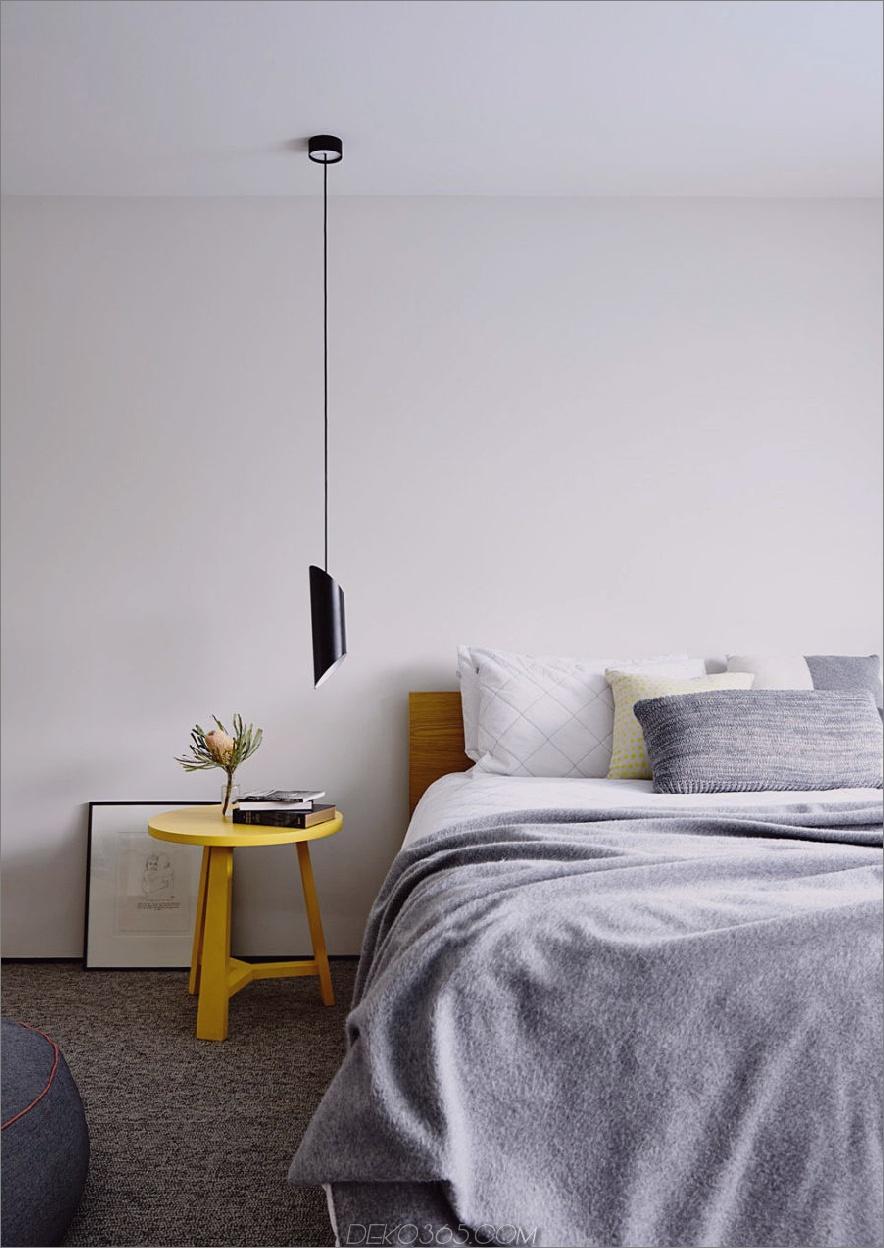 Das Schlafzimmer ist minimal