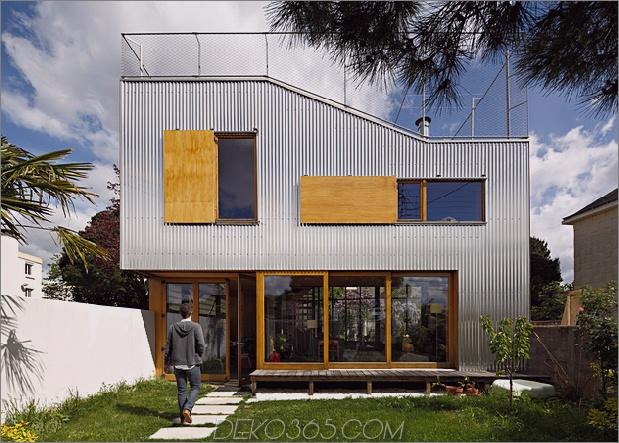 Cooles französisches Haus mit gewölbter Aluminiumfassade und Dachterrasse_5c58fab0a7d3b.jpg