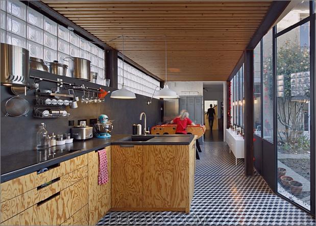 Cooles französisches Haus mit gewölbter Aluminiumfassade und Dachterrasse_5c58fab4e32e4.jpg