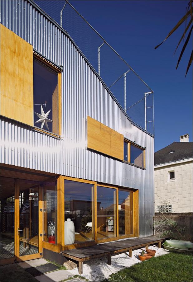 Cooles französisches Haus mit gewölbter Aluminiumfassade und Dachterrasse_5c58fab84e545.jpg