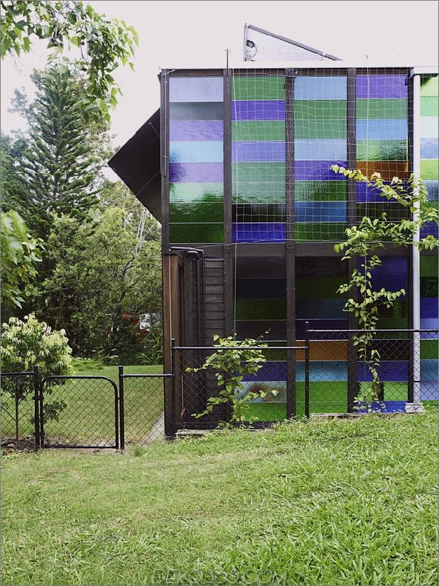 farbiges Glas-Wände-Funkeln-von-Hütte-Zusatz 12-sideyard.jpg