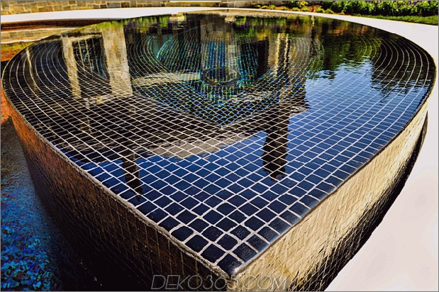 preisgekrönt-stradivarius-violine-pool-cipriano-landscape-design-15-spa-tile.jpg
