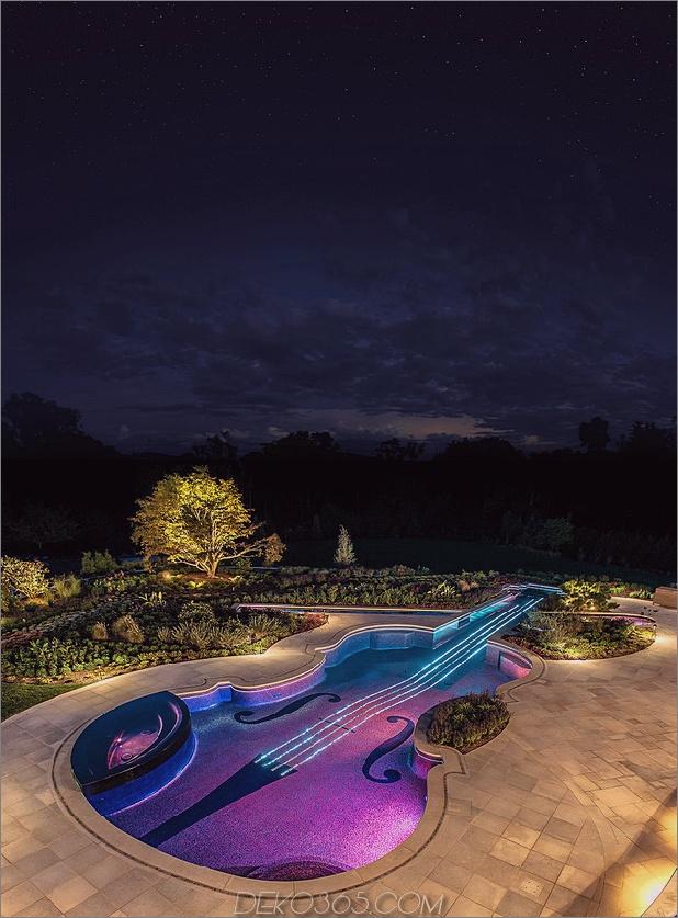 preisgekrönt-stradivarius-violine-pool-cipriano-landscape-design-20-nighttime.jpg