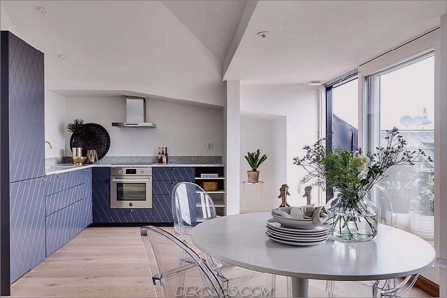 Blaue Küchenschränke erhalten ein stilvolles Muster