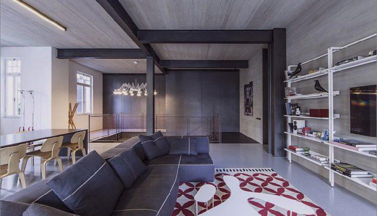 Dark und Dramatic Tel Aviv Apartment von Pitsou Kedem_5c58de1099854.jpg