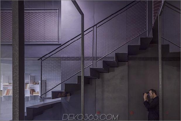 dunkel-und-dramatisch-Tel Aviv-Apartment-by-Pitsou-Kedem-5.jpg