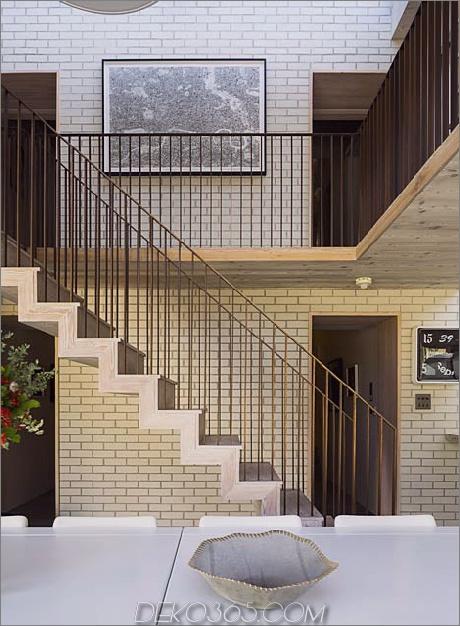 alt-london-home-gets-fresh-glass-addition-5.jpg