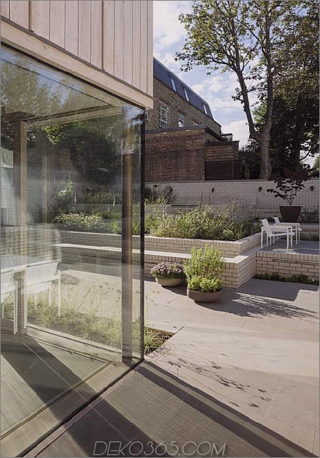 alt-london-home-gets-fresh-glass-addition-15.jpg