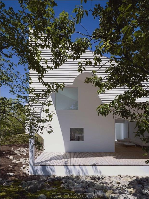 Das Dach hat kreisförmige Ausschnitte, um Baumkronen zu emulieren_5c58db5f33ae0.jpg