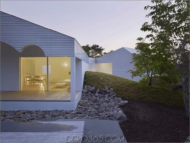 Das Dach hat kreisförmige Ausschnitte, um Baumkronen zu emulieren_5c58db601d1dd.jpg