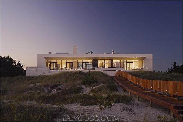 Oceanside-Home-Teak-Wände-Pool-Dach-Kamin-6-back.jpg