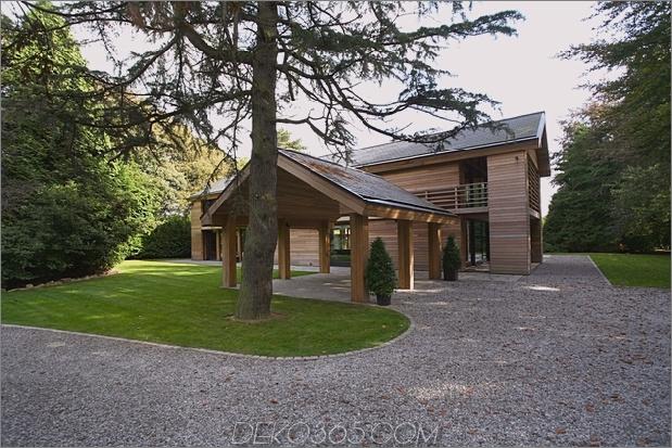 Das preisgekrönte Haus der roten Zeder spiegelt sich in Treed-Landschaft_5c58d9ea3c90d.jpg