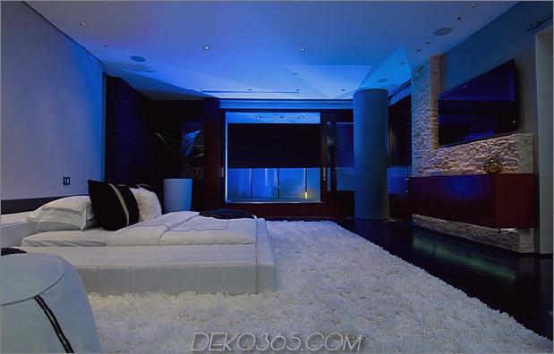 ultimatives Partyhaus mit farbiger Beleuchtung und Wasserfällen 16.jpg
