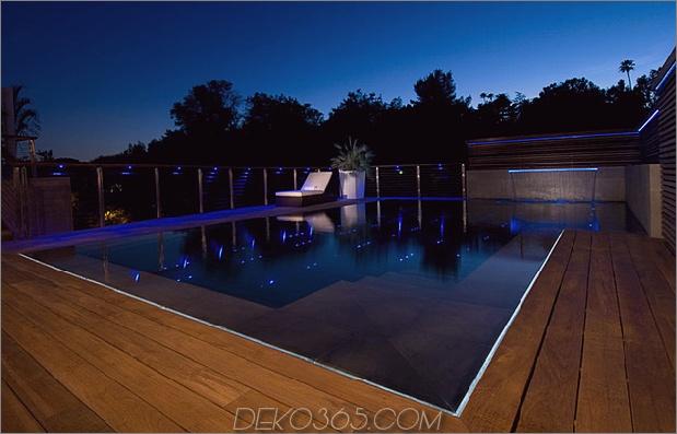 ultimatives Partyhaus mit farbiger Beleuchtung und Wasserfällen 22.jpg