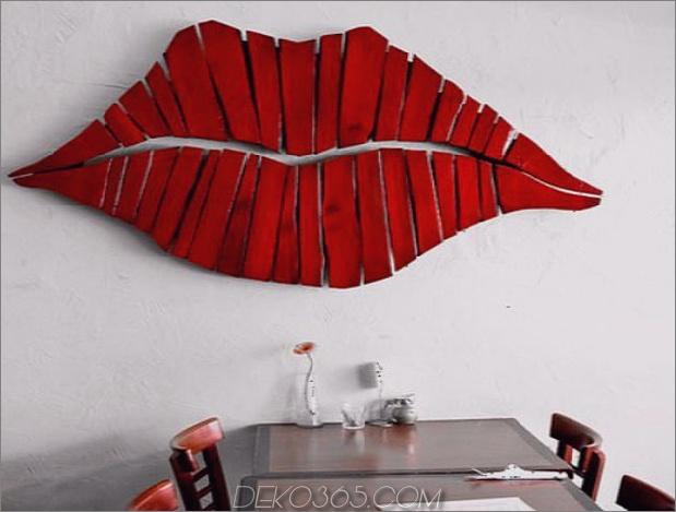 2c-red-lips-diy-wall-decor-accent.jpg