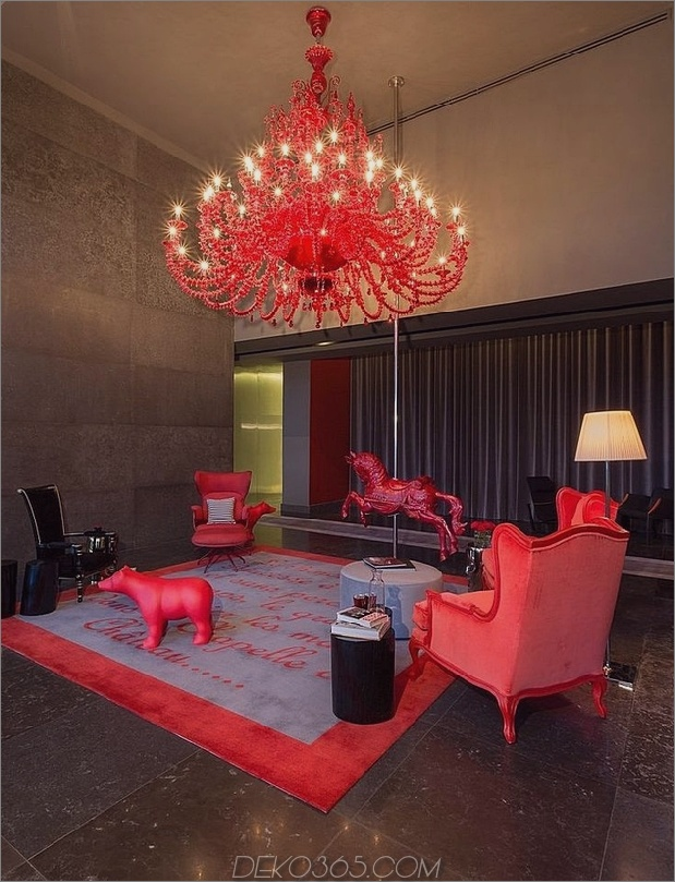 5a-awesome-red-chandelier.jpg