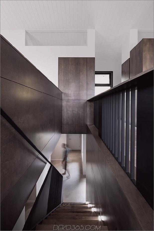diagonale Dachlinie-definiert-umfangreiche-kanadische Hügel-Los-Haus-14-Treppenhaus-Schnitt.jpg
