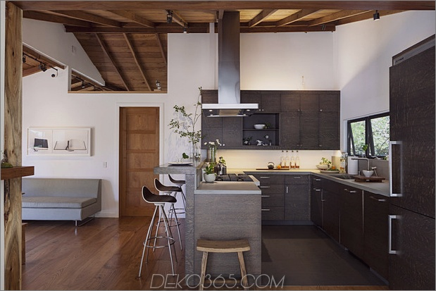 Hütte-Erweiterung-lokale-Wald-Kompliment-Bergblick-6-kitchen.jpg