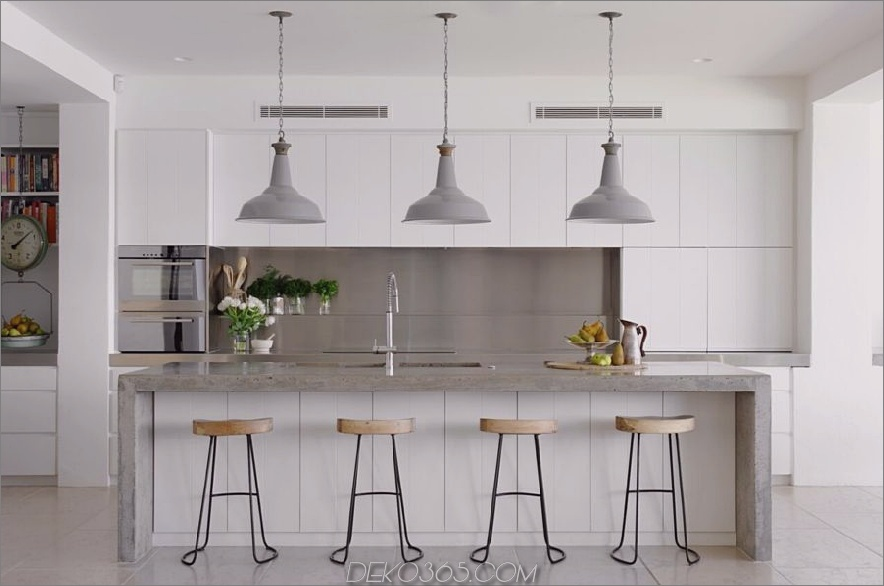 graue und weiße moderne Küche 900x596 Diese 15 grauen und weißen Küchen werden Sie begeistern