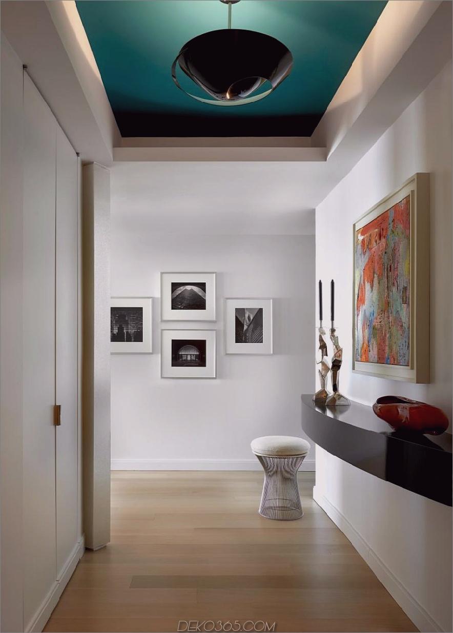 Aquamarines Deckenflur-Design von Mitchell Channon Design