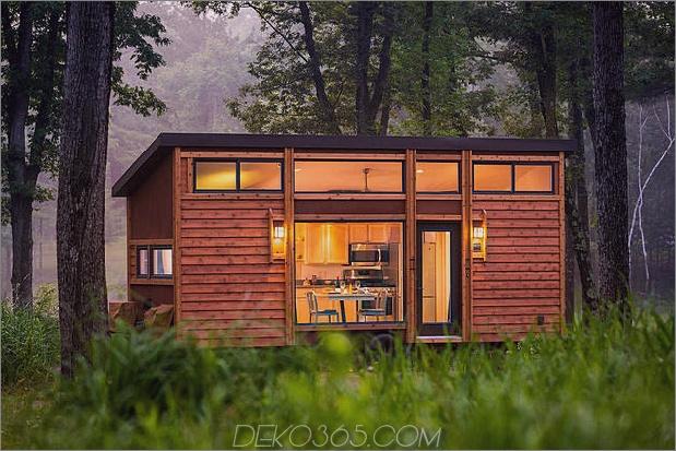 kleines Zuhause auf Anhänger Fluchthäuser Reisende 2 Fassade thumb 630xauto 54992 Dieses kleine Haus auf einem Trailer ist nach berühmten Wisconsin Vacation Cottages gestaltet: der neue Escape Traveller