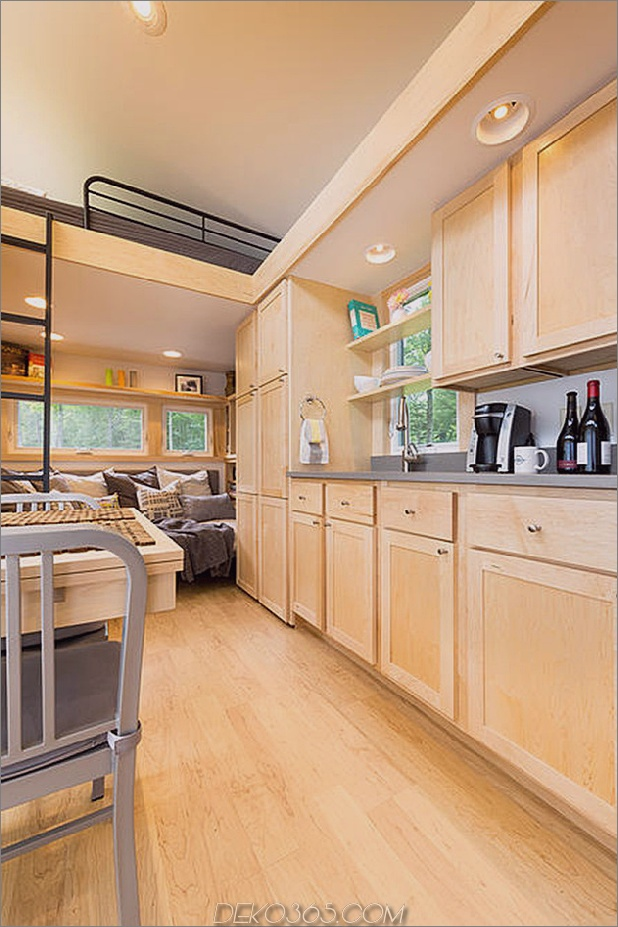 tiny-home-on-trailer-escape-homes-traveller-5-sleeping-loft.jpg