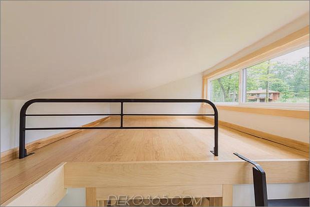 Tiny-Home-on-Trailer-Flucht-Homes-traveller-10-sleeping-attic.jpg